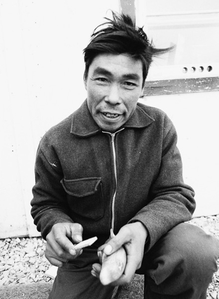 Resolute Bay 1968 - Whale Carver; Isaac Naqtai